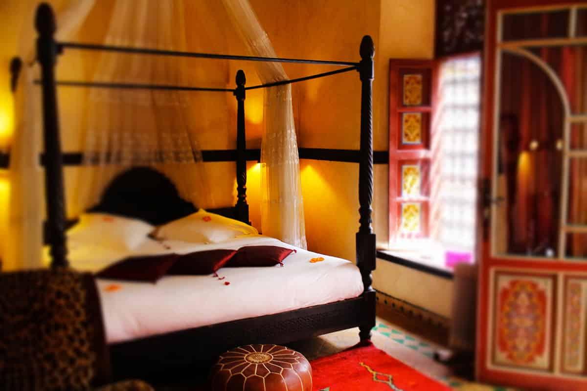 04. riad-ayadina-villa-harmonie-marrakech-chambre-suite-antinea-4-fr