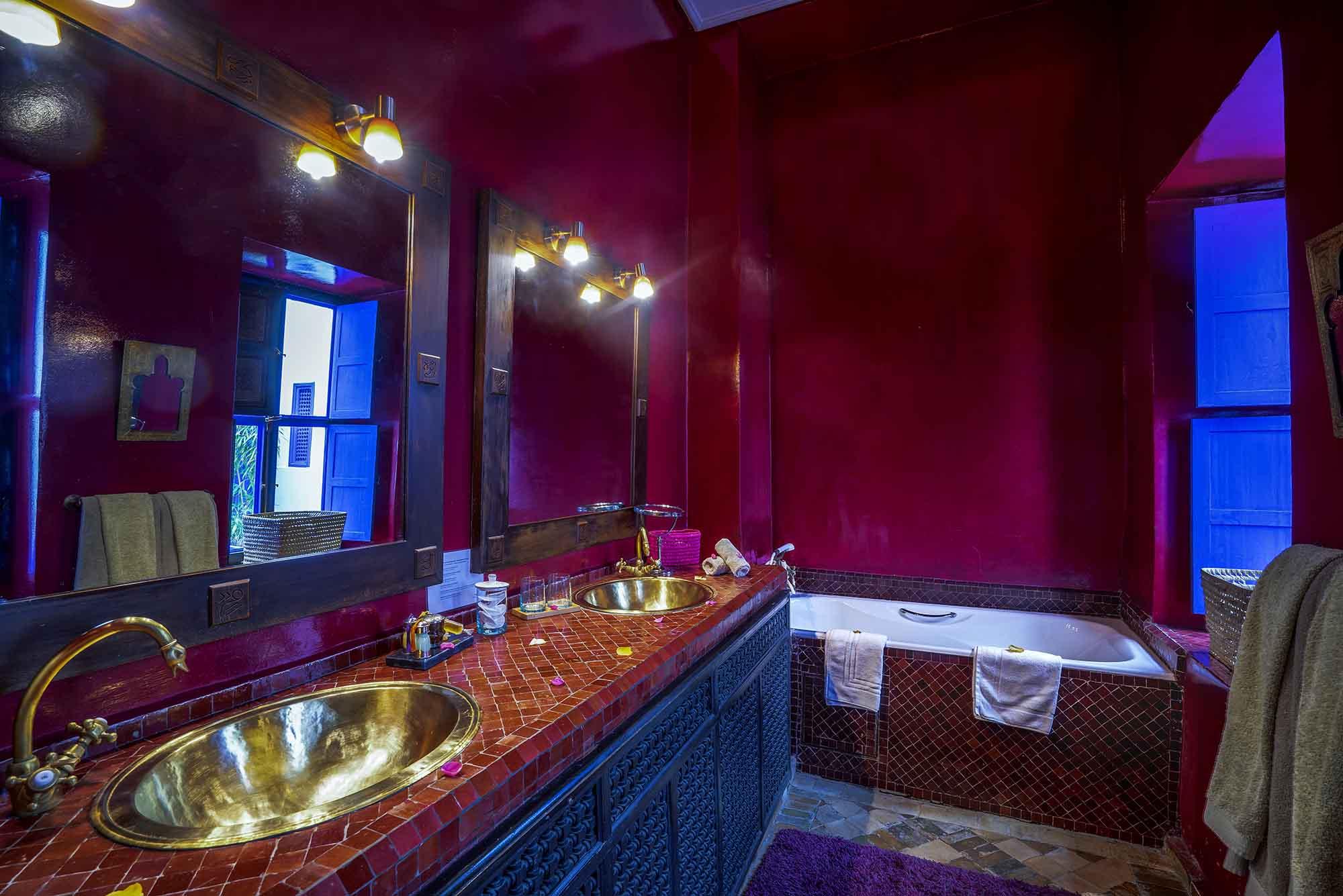10. riad-ayadina-marrakech-chambre-adine-salle-de-bain