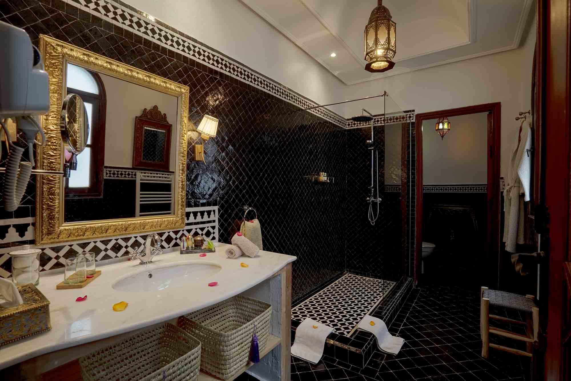 12. riad-ayadina-marrakech-chambre-ambrosia-salle-de-bain