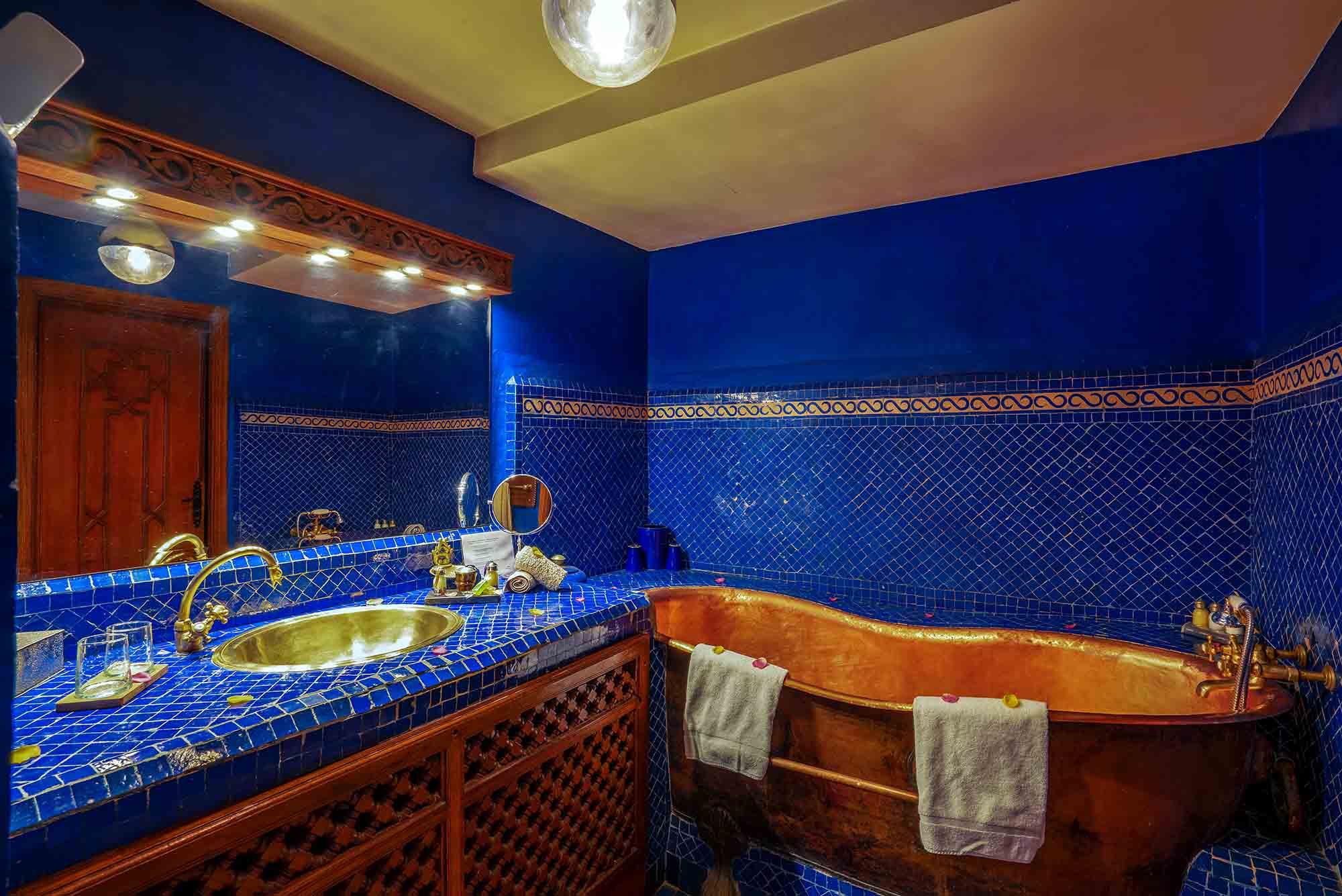 16. riad-ayadina-marrakech-chambre-atina-salle-de-bain